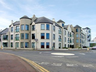 Portballintrae, Giants Causeway, County Antrim - 9241, Greencastle