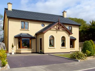 Kenmare, Ring of Kerry, County Kerry - 9376