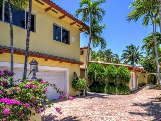 Exclusive Beach House on Nature Preserve, Fort Lauderdale