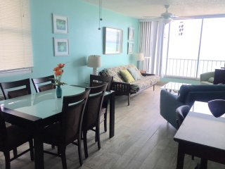 Ocean Front Two Bedroom unit, Isla Verde