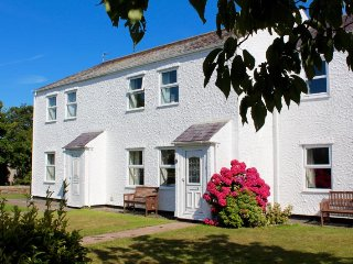 Bryntirion Cottage, Moelfre (central location)