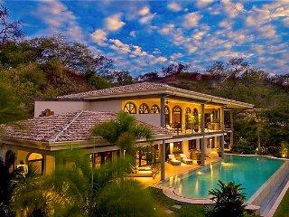 Enormous Infinity Pool w. Concierge Services, Playa Hermosa