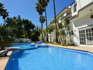 -Private Villa- III Pool-Garden Apartment 2 Persons