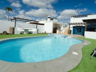 Preciosa y tranquila villa con piscina privada, Playa Blanca