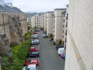COMFORT TWO BED, quality city centre apartment, all mod cons, en-suite, parking, in Edinburgh, Ref 940989, Édimbourg
