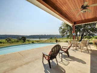 4BR, 3BA Waterfront Hill Country Ranch On Lake Travis - Private Pool & Dock, Spicewood
