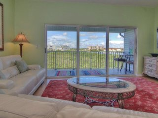 Mariner's Pointe 303, Indian Shores
