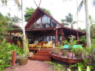 Delxue Beach House A 3
