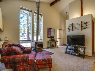 Bright resort home w/ shared pool, hot tub & more - awesome location!, Black Butte Ranch
