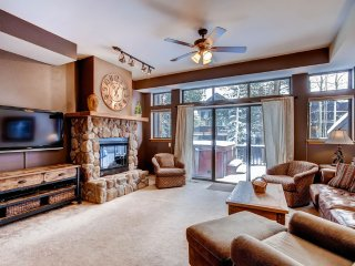 Nicely Updated Townhome Close to Main St. and the Slopes with a Private Hot Tub