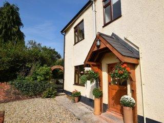 45091 Cottage in Tiverton, Newton Saint Cyres