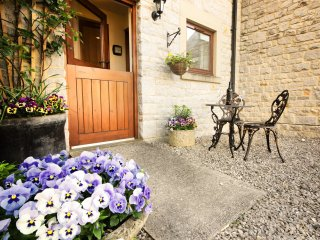 PK849 Cottage in Bradwell, Froggatt