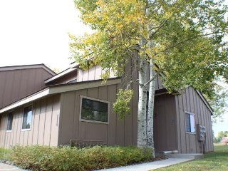 Pines 4058 is a warm family-friendly vacation condo for your next Pagosa Springs Vacation.
