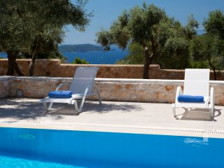 Villas Armeno - Evangelia, Luxury villa with see view