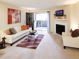 Elegant 3 Bedroom Apartment, Redmond