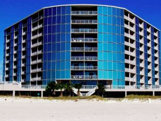 Deluxe 2 Bedroom w/Shared Pool, Luxurious Master Suites & Gorgeous Gulf Views