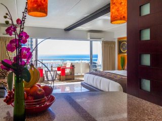 ILIKAI POSH*&*LAVISH - 2 ADJOINING SUITES - DIRECT OCEAN VIEWS