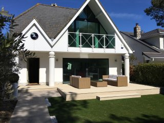 The Perfect Sandbanks Retreat
