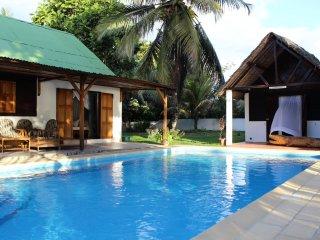 Villa Daniel /plage, piscine et toutes commodités