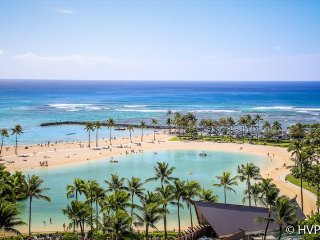 Ilikai Suites 1130 Ocean / Lagoon / Fireworks Views King Bed, Sofa Bed, Honolulu