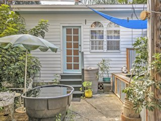 NEW! Lovely New Orleans Cottage w/Downtown Access!