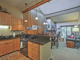 2BR Winter Park Condo w/Community Hot Tub!