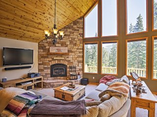 Gorgeous Alma Cabin w/ Private Hot Tub!