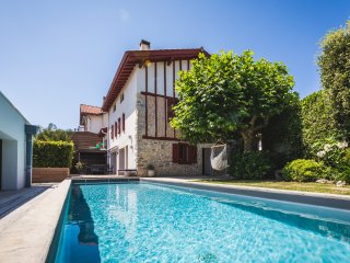 Maison Basque Rénovée - Piscine - Plage à 300m, Bidart