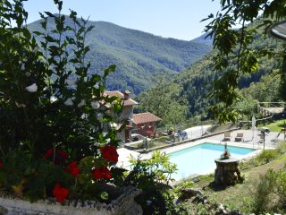 Vallico, Bimbini, pool, walk to shop and restaurant, WIFI
