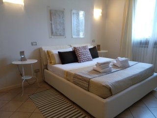 Luxury 2 bedroom apartment with garden (2), Desenzano Del Garda