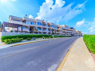 Luxuri 2 bedroom suite with Ocean & Lagun View, Isla Mujeres