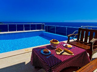 Seculed Villa Blue ( Discount Avaliable), Kalkan
