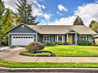 Remodeled Portland Home w/Spacious Yard & Deck!