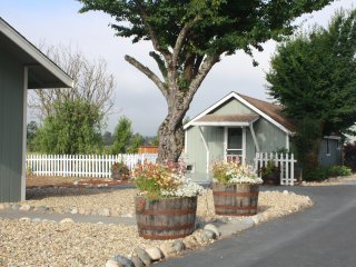Wine Country Cottage in the Heart of Sonoma County, Santa Rosa