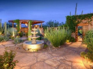 ENCHANTING GETAWAY! SPECTACULAR HOME AND GROUNDS!, Marana