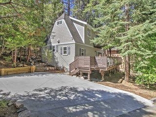 3BR Remodeled Lake Arrowhead Cabin in the Trees