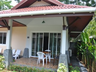 "Cosy Villa Cottage ""L2"" close to Andaman sea, Ko Lanta"