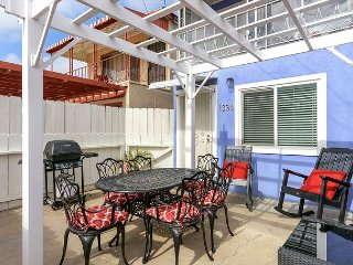 3BR, 1BA San Diego Duplex – Prime Location Near Sea World, Beaches, Airport