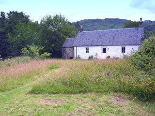 45742 Cottage in Callander, Killearn