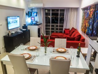 26th floor, bright, WiFi, 90 m2, all included!, Bangkok