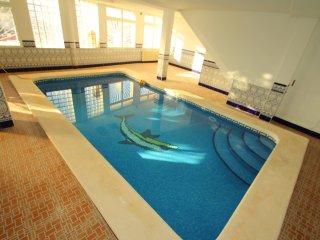 2 Bed Villa + Private Indoor POOL - Sleeps 6