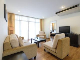 3BR 100SQM for 6pax at  Nana BTS| Chadvara, Bangkok