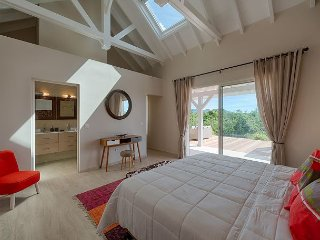 Modern Caribbean Villa accross from Baie Rouge
