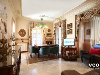 Florentin. 2 bedrooms & 2 bathrooms next to the Cathedral