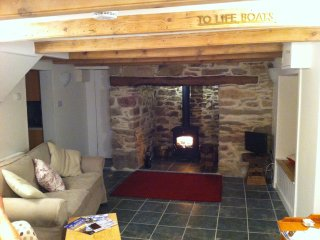 400 year old cottage with huge inglenook fireplace, Cubert