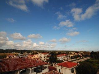 Bilocale ALOE con balcone, piscina e giardino, Orosei
