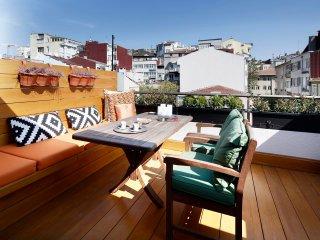 Azure Penthouse - Cihangir/Beyoglu, Istanbul