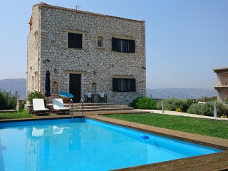 Rea's 3 Bd Traditional Villa - Chania, Akrotiri