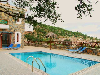 Rafaela villa in a Picturesque Village, only 10 min drive from the Beach!