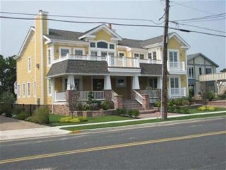 11015 First Avenue 132385, Stone Harbor